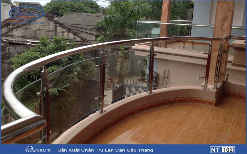 Cầu thang kính TNT102