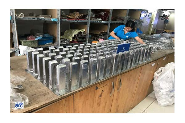 Trụ lửng đặc Nam Thao NT 020